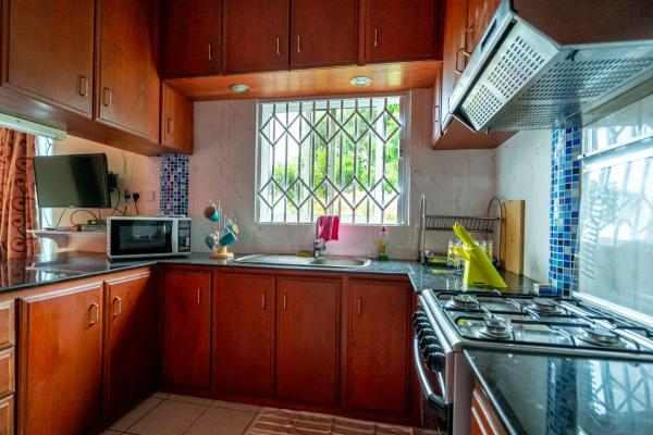 SEY Mahe GH Glacis Heights Selfcatering 00004
