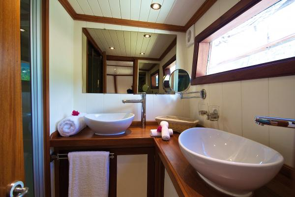 Cabin 7 Master Suite bathroom 1