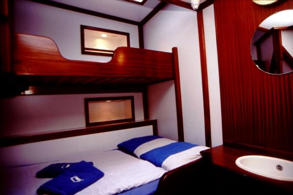 Sea Pearl Sea Shell Double Bed Cabin